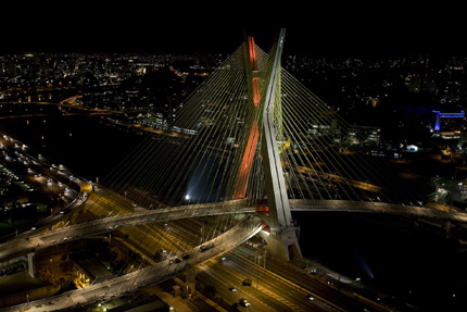 sao-paulo_bridge-led-verlichting.jpg